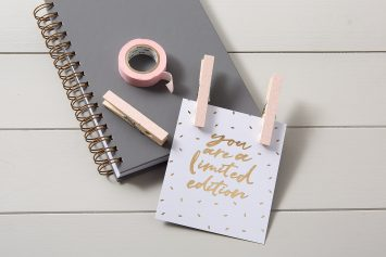 Pale Pink Glitter Note Holders
