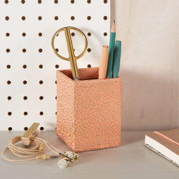 Pen Pot with Magnetic Backing – Blush Pink Starburst Dots